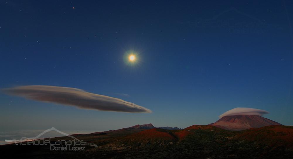 Nubes y estrellas en el Teide