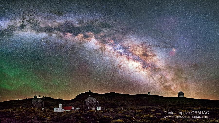 Vía Lactea sobre el Observatorio del Roque de los Muchachos DLopez